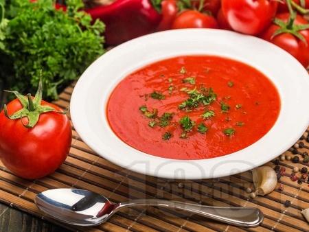 Крем супа от домати, червени чушки и лук - снимка на рецептата